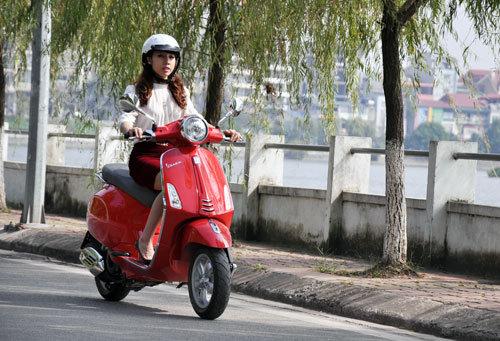 Một trong những mẹo tiết kiệm xăng xe máy là đi đều ga, không tăng giảm ga đột ngột,…