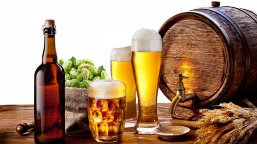 Người bị zona thần kinh nên hạn chế rượu bia và các đồ uống có cồn trong quá trình điều trị