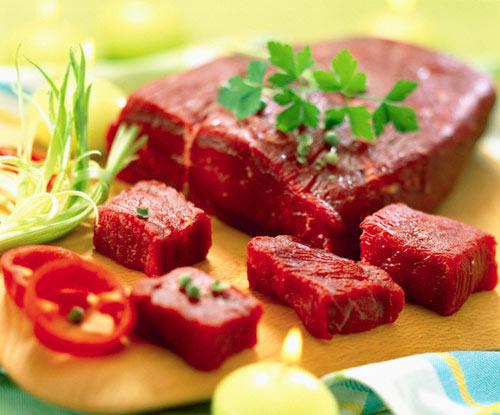 Dùng rượu để khử mùi hôi cho thịt bò rất hiệu quả