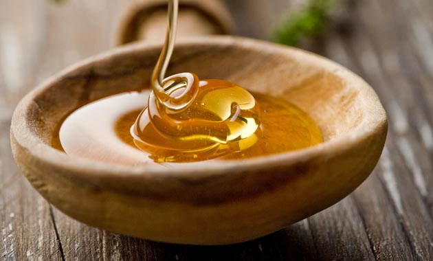 Để chữa mặn cho các món canh, kho có thể dùng một thìa nhỏ mật ong