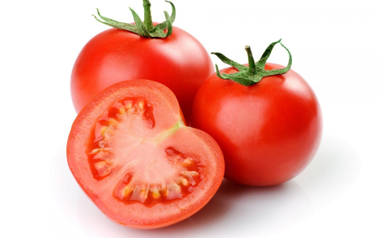 Cà chua cũng có tác dụng khắc phục các món bị mặn rất hiệu quả
