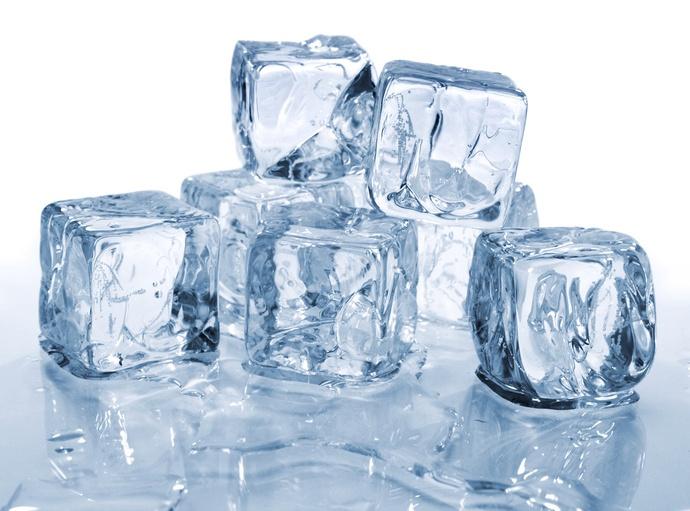 Mẹo vặt gia đình ít biết từ nước đá như giảm vị đắng của thuốc cho trẻ