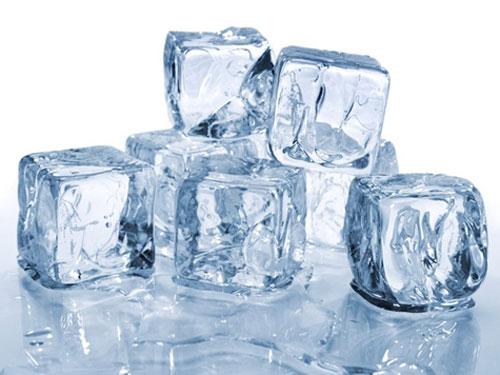 Mẹo vặt gia đình hay giúp lấy bã kẹo cao su trên quần áo dễ dàng là cho chúng vào tủ lạnh