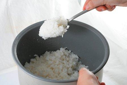 Cách bảo quản cơm nguội lâu thiu vừa tiết kiệm lương thực, lại đảm bảo sức khỏe cho cả nhà