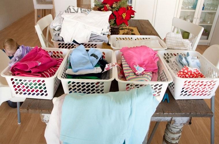 Cách sử dung máy giặt hiệu quả là nên phân loại quần áo trước khi giặt